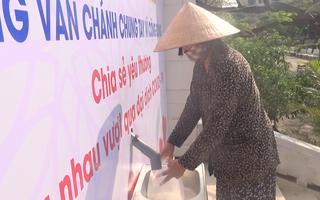 Video: Cây 'ATM' gạo kèm rau củ quả ở Phú Yên