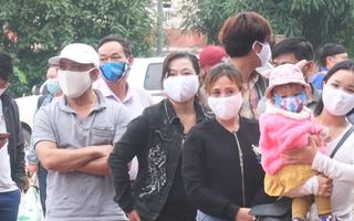 Video: Gần 300 người vui mừng rời các khu cách ly ở Nghệ An