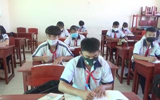 Video: Học sinh Cà Mau trở lại trường sau thời gian dài nghỉ học vì Covid-19