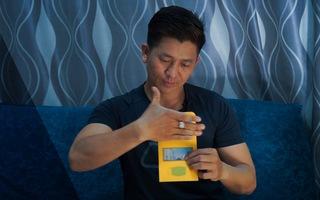 Video: Thú vị màn biến tiền thành khẩu trang của ảo thuật gia Nguyễn Phương