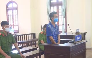 Video: Đánh công an vì bị nhắc đeo khẩu trang... lãnh 9 tháng tù