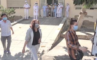 Video: Bệnh nhân 'siêu lây nhiễm' thứ 34 xuất viện