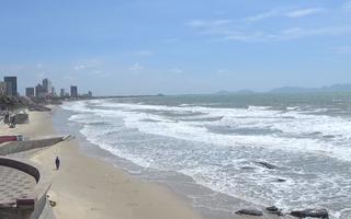 Video: Biển Vũng Tàu không một bóng người