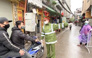 Video: Từ chối ra vào làng Phú Đô nếu không có lý do chính đáng