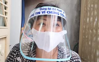 Video: Tiểu thương Sài Gòn làm nón tặng y bác sĩ