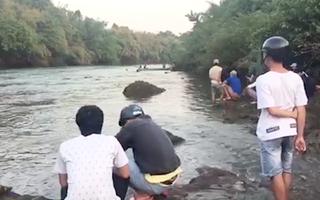 Video: Tìm thấy thi thể học sinh lớp 12 bị nước cuốn trôi
