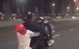Video: 'Quái xế' bốc đầu xe trên cầu Rồng Đà Nẵng