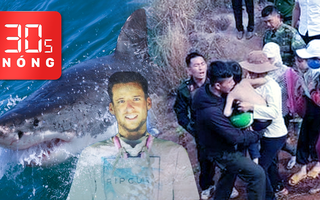 Bản tin 30s Nóng: Cảnh sát phá cửa giải cứu 2 cháu bé; Một VĐV lướt ván bị cá mập cắn chết