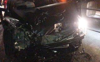 Video: Ôtô vượt đèn đỏ gây tai nạn liên hoàn