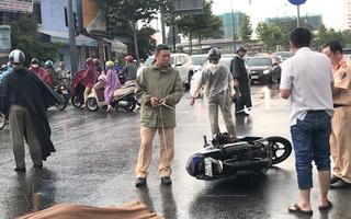 Xe rác cán chết người, đường Phạm Văn Đồng kẹt cứng