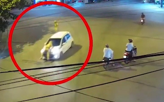 Video: Tài xế hất CSGT lên nắp ca pô rồi bỏ chạy