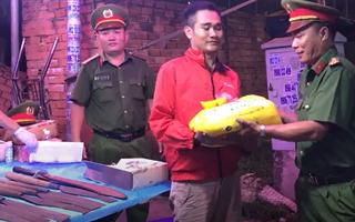 Video: Ai giao nộp vũ khí nóng sẽ được tặng 10 ký gạo