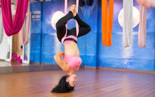 2 động tác yoga bay đơn giản mà hiệu quả cho cột sống của bạn