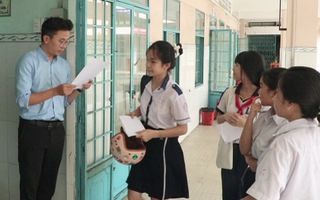Video: Học sinh làm thủ tục trước ngày thi tuyển vào lớp 10 tại TP.HCM