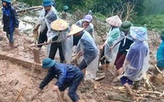 Video: Sạt lở kinh hoàng ở Hà Giang, hai mẹ con bị đất đá vùi lấp