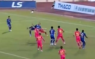 Video: Xem lại pha tung người ghi bàn thắng tuyệt đẹp của cầu thủ Quảng Nam