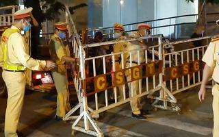 Video: Đúng 0h, 3 bệnh viện ở Đà Nẵng chính thức bị phong tỏa