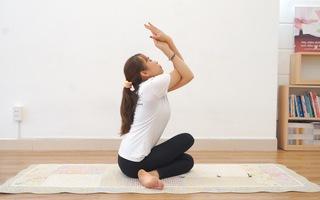 Đẹp với yoga nụ cười và cảm nhận hạnh phúc từ bên trong