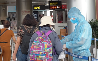 Video: Chuyến bay đầu tiên đưa khách từ Đà Nẵng về Hà Nội