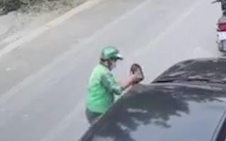 Video: Tài xế mặc áo xe ôm công nghệ bẻ trộm gương ôtô