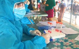 Video: Xét nghiệm ở chợ Đà Nẵng nơi có 3 người bán mắm, gia vị, hải sản mắc COVID-19