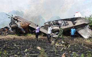 Video: Hiện trường thảm khốc vụ rơi máy bay làm 17 người chết ở Nam Sudan