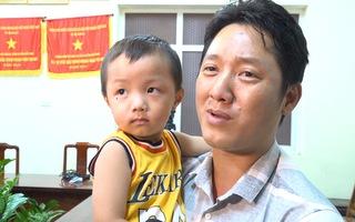 Cha cháu bé bị bắt cóc: 'Tôi như sống lại lần thứ 2 khi gặp được con'