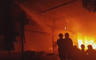 Góc nhìn trưa nay   Lửa cháy rực trời trong Khu công nghiệp Tân Tạo