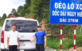 Video: Ông Đoàn Ngọc Hải mua xe cứu thương, chở bệnh nhân nghèo đầu tiên về quê miễn phí