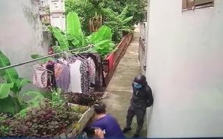 Video: Lời khai của vợ chồng Phú Lê liên quan đến vụ hành hung người lớn tuổi