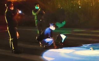 Video: Truy tìm ôtô kéo lê xe máy trên đường phố, 1 cô gái trẻ bị cán tử vong