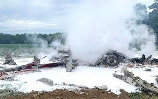 Video: Hiện trường máy bay quân sự Mỹ lao xuống ruộng cháy rụi