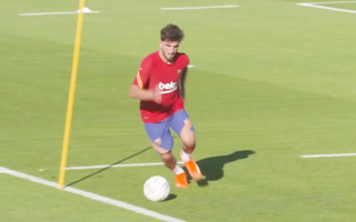Video: Messi chưa có mặt trong buổi tập đầu tiên của Barca