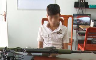 Video: Bắt 2 đối tượng trộm súng tiểu liên AK