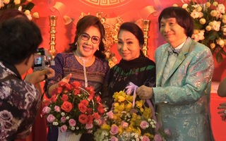 Video: NSND Minh Vương triển lãm ảnh đời nghệ sĩ nhân ngày sân khấu Việt Nam