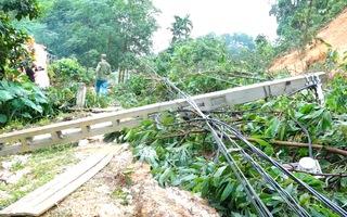 Video: Mưa lớn gây lở đất, 2 người tử vong, 7 người nhập viện ở tỉnh Phú Thọ