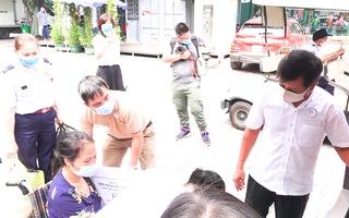 Video: Ông Đoàn Ngọc Hải sẽ vượt 300km chở bệnh nhân nghèo về Hà Giang