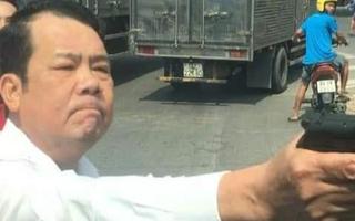 Video: Người đàn ông rút súng hăm dọa tài xế khiến giao thông qua Cầu Ngà - Bắc Ninh hỗn loạn