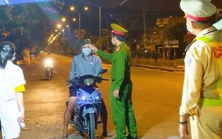Video: Xe máy, ôtô cá nhân được ra vào Đà Nẵng từ 0g ngày 5-9