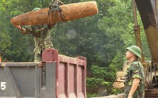 Video: Phá hủy quả bom khủng nặng 227kg còn sót lại từ thời chiến tranh