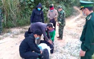 Video: Bắt 6 đối tượng nhập cảnh trái phép vào Việt Nam