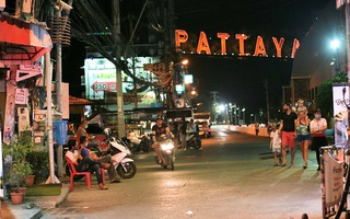 Video: Số ca nhiễm COVID-19 gia tăng, Thái Lan phong tỏa khu du lịch nổi tiếng Pattaya