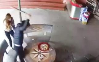 Video: Giận nhau vì một câu nói, dùng điếu cày đánh chết bạn nhậu