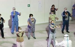 Video: Bệnh nhân COVID-19 tập Thái cực quyền trong bệnh viện dã chiến