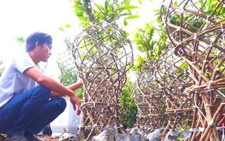 Video: Cách tạo các cây mai con thành 'lộc bình mai vàng' độc đáo