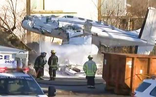 Video: Chiếc máy bay hai động cơ gặp sự cố, lao thẳng xuống đất