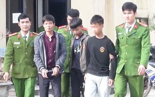Video: Nhóm đối tượng chạy xe máy, cầm dao đe dọa giật túi xách người đi đường ở Thanh Hóa đã bị bắt