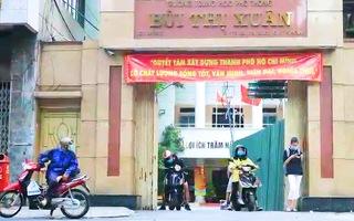Video: Gần 100 học sinh THPT Bùi Thị Xuân nghỉ học vì có một phụ huynh bay chuyến VN213