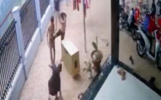 Video: Xông vào nhà dân đánh người có thể do mâu thuẫn tiếng loa kẹo kéo