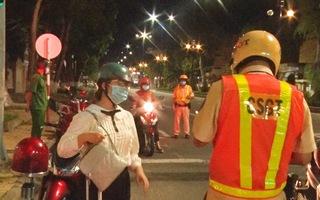 Video: Người dân Tiền Giang vẫn chưa được ra đường vào ban đêm